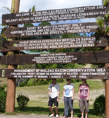 Adventure Alternative Borneo Sabah Park Sign People